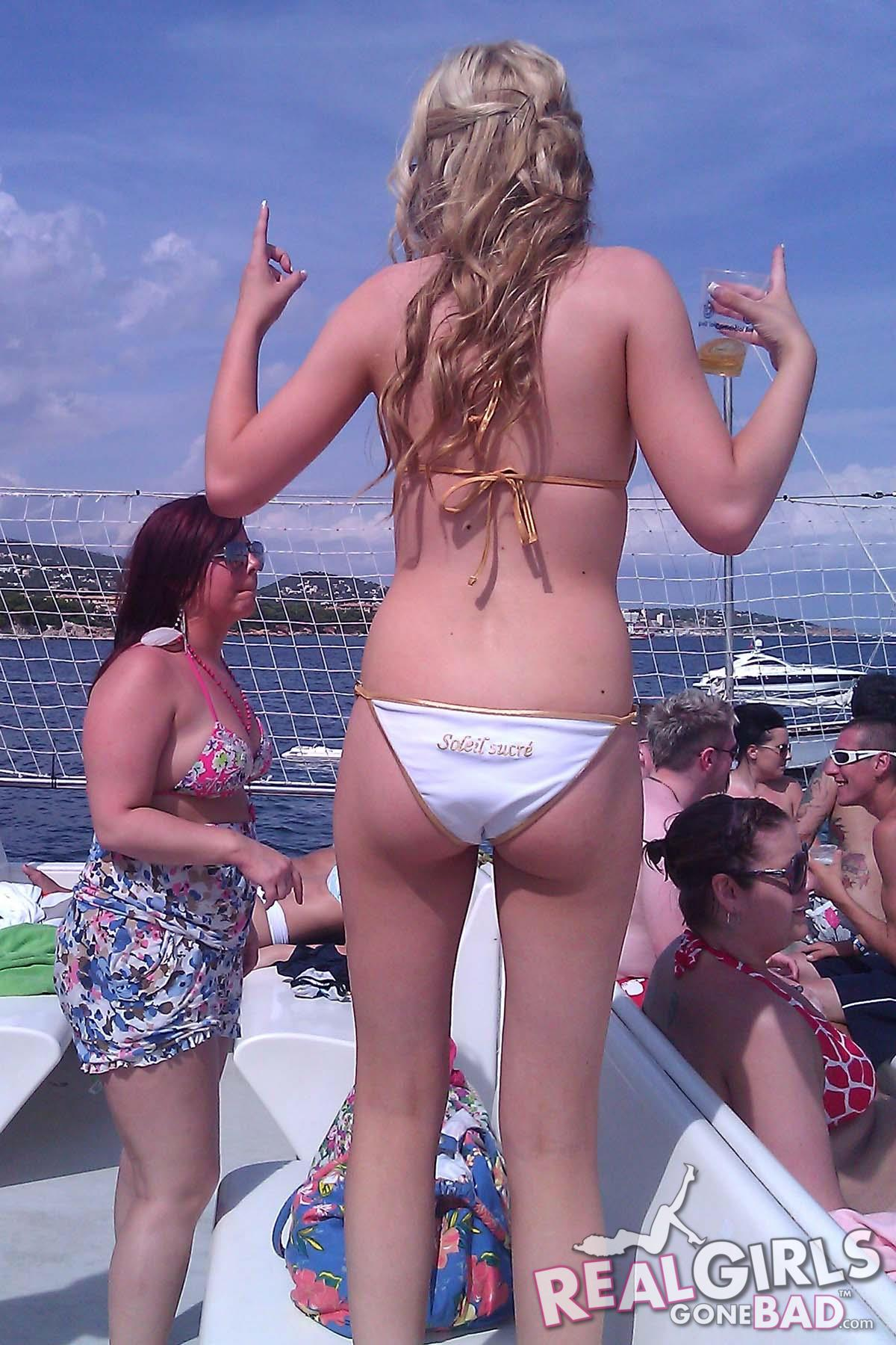 Real Girls Gone Bad – Boat Party