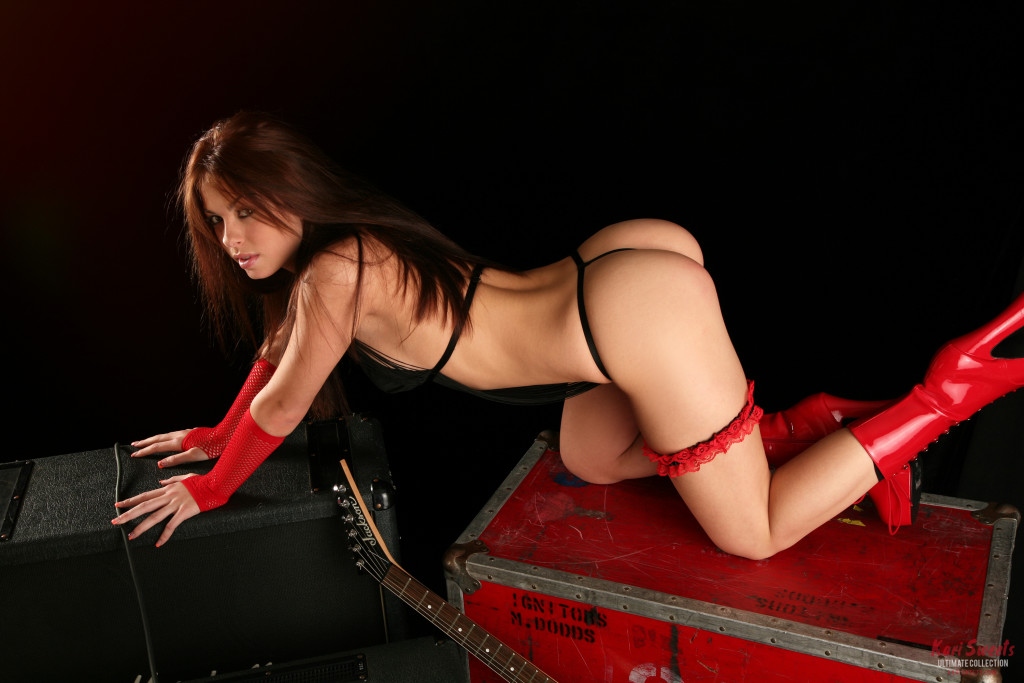 Kari-Sweets-Red-Rocker-13