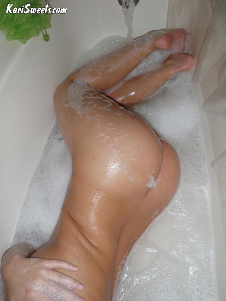 KariSweets-Bath-8