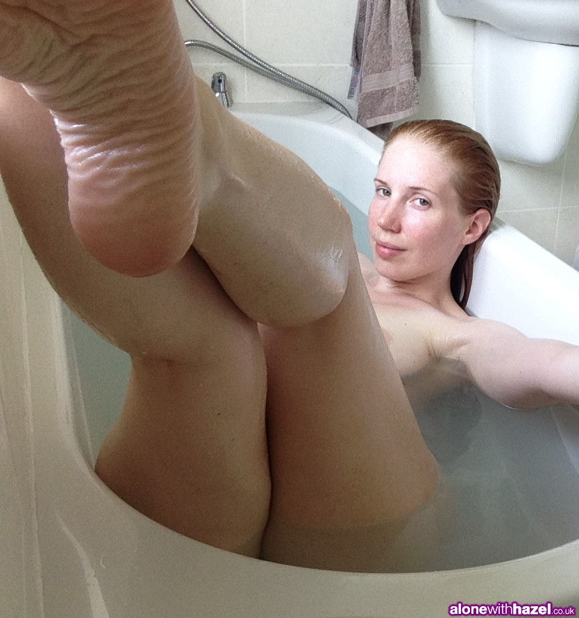 AloneWithHazel-Bathtub-8