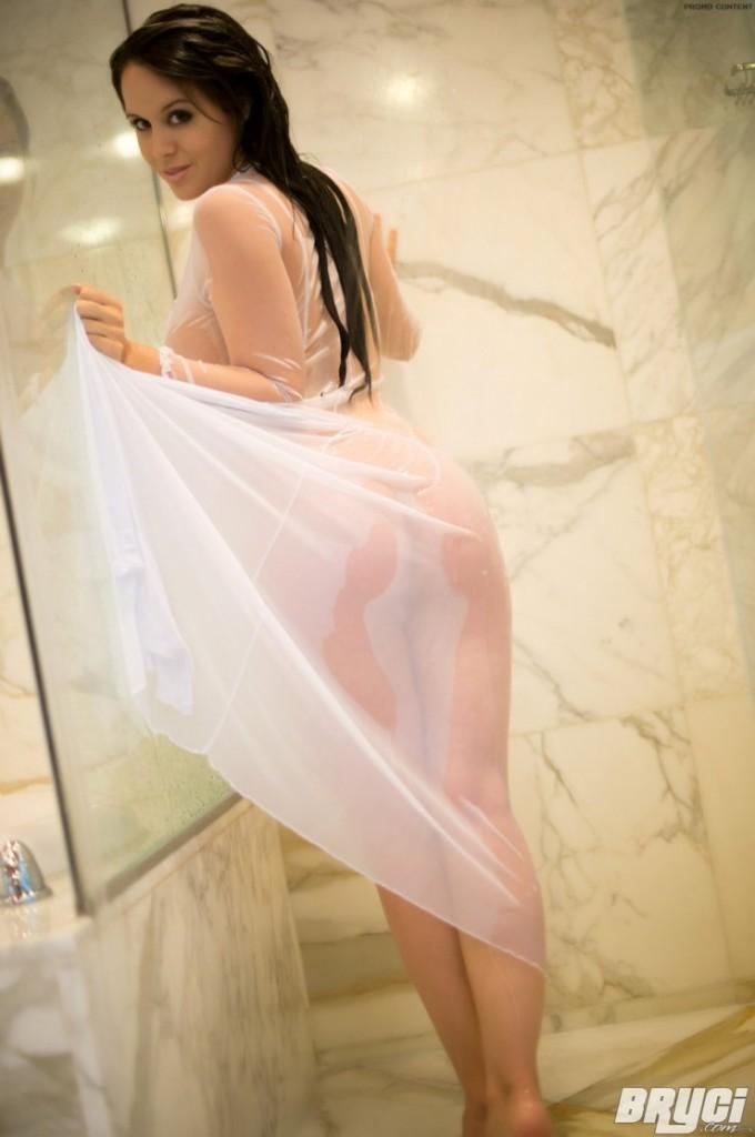 Bryci-Shower-5