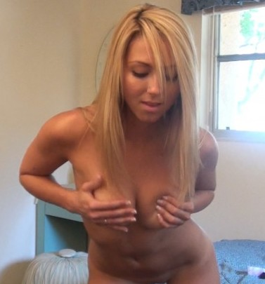 Brooke Marks Camshow – Afternoon Strip Tease